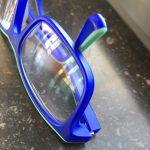 blauwe jongensbril